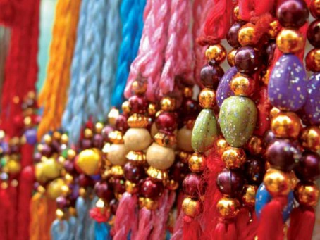 Fair Trade Photo Greeting Card Asia, Beads, Beauty, Birthday, Colour image, Colourful, Decoration, Details, Focus on foreground, Horizontal, India, Market, Party, Remarkable, Streetlife