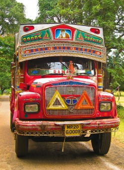 Fair Trade Photo Greeting Card Asia, Car, Colour image, Decoration, Good trip, Green, India, Outdoor, Red, Rural, Street, Streetlife, Transport, Travel, Truck, Vertical
