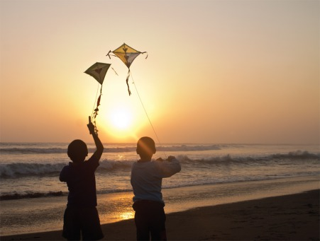Fair Trade Photo Greeting Card Activity, Backlit, Beach, Clouds, Colour image, Evening, Freedom, Friendship, Hope, Kite, Outdoor, People, Peru, Playing, Sea, Silhouette, Sky, South America, Summer, Sunset, Together, Two boys, Water