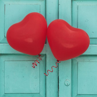Fair Trade Photo Greeting Card Balloon, Colour image, Heart, Horizontal, Love, Marriage, Peru, Red, South America, Valentines day, Wedding