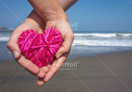 Fair Trade Photo Beach, Colour image, Day, Friendship, Heart, Horizontal, Love, Marriage, Outdoor, Peru, Pink, Pregnant, Sea, South America, Together, Wedding