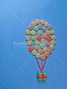 Fair Trade Photo Activity, Balloon, Blue, Button, Colour image, Flying, Gift, Marriage, Multi-coloured, Peru, South America, Vertical, Wedding