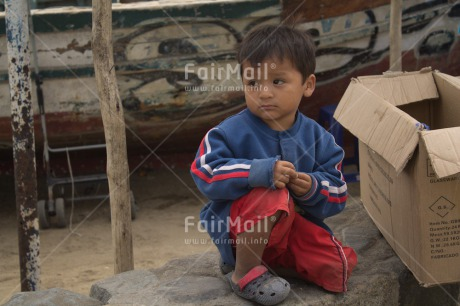 Fair Trade Photo 5_-10_years, Activity, Casual clothing, Child labour, Clothing, Colour image, Dailylife, Latin, Looking away, One boy, People, Peru, Portrait fullbody, South America, Streetlife