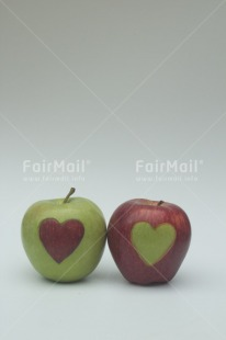 Fair Trade Photo Apple, Colour image, Food and alimentation, Fruits, Hand, Heart, Love, Marriage, Peru, South America, Together, Valentines day, Vertical, Wedding