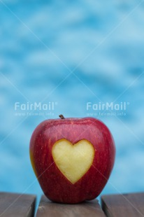 Fair Trade Photo Apple, Colour image, Food and alimentation, Fruits, Hand, Heart, Love, Mothers day, Peru, South America, Valentines day, Vertical