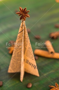 Fair Trade Photo Anise, Christmas, Christmas decoration, Christmas tree, Cinnamon, Coffee, Colour image, Food and alimentation, Green, Peru, South America, Vertical