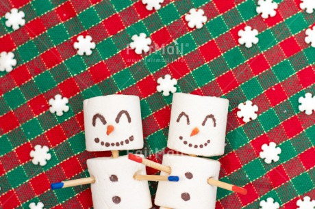 Fair Trade Photo Adjective, Christmas, Christmas decoration, Colour, Colour image, Green, Horizontal, Object, Place, Red, Snowflake, Snowman, South America