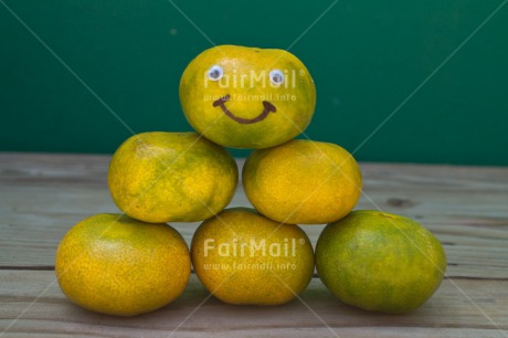 Fair Trade Photo Colour image, Food and alimentation, Friendship, Fruits, Funny, Get well soon, Horizontal, Mandarin, Peru, Smile, South America