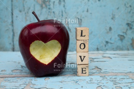 Fair Trade Photo Apple, Colour image, Food and alimentation, Fruits, Heart, Horizontal, Love, Peru, South America, Valentines day