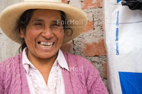 Fair Trade Photo Closeup, Colour image, Dailylife, Horizontal, One woman, People, Peru, Portrait headshot, Shooting style, Smiling, South America, Streetlife