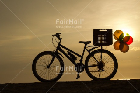 Fair Trade Photo Balloon, Beach, Bicycle, Birthday, Colour image, Horizontal, Party, Peru, Shooting style, Silhouette, South America, Summer, Sunset, Transport