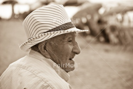 Fair Trade Photo Beach, Black and white, Day, Hat, Horizontal, Latin, Old age, One man, Outdoor, People, Peru, South America, Summer