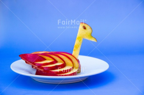 Fair Trade Photo Apple, Colour image, Creativity, Food and alimentation, Fruits, Horizontal, Peru, Plate, Seasons, South America, Spring, Summer, Swan