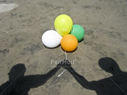 Fair Trade Photo Artistique, Balloon, Beach, Birthday, Colour image, Congratulations, Day, Friendship, Horizontal, Love, Outdoor, Party, People, Peru, Sand, Seasons, Shadow, South America, Summer, Together