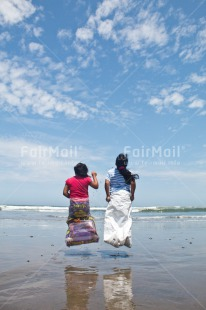 Fair Trade Photo Activity, Beach, Child, Colour image, Emotions, Felicidad sencilla, Friend, Friendship, Girl, Happiness, Happy, Holiday, New beginning, People, Peru, Play, Playing, Sea, Sister, South America, Vertical