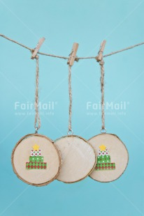 Fair Trade Photo Blue, Chachapoyas, Christmas, Christmas decoration, Colour image, Green, Hanging wire, Peg, Peru, South America, Star, Vertical, Wood