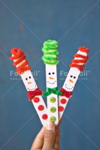 Fair Trade Photo Adjective, Blue, Body, Christmas, Christmas decoration, Colour, Colour image, Green, Hand, Object, Place, Red, Snowman, South America, Vertical