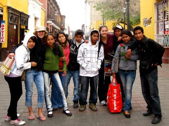 hot-peruvian-teens-in-heels-sucks-cock-closeup