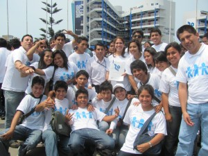 Mariaflor with her friends at the university