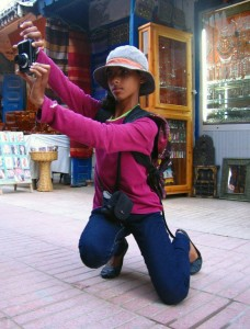 FairMail Morocco photographer Fatime zara in action